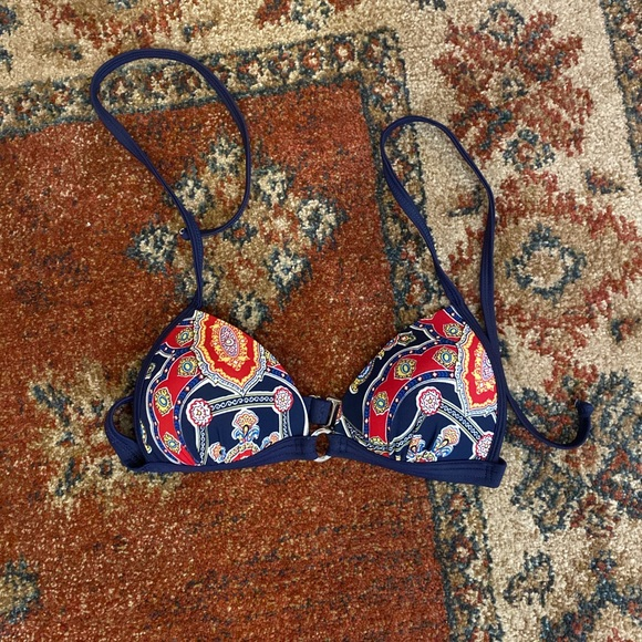 VENUS Other - Venus bikini top - Size B